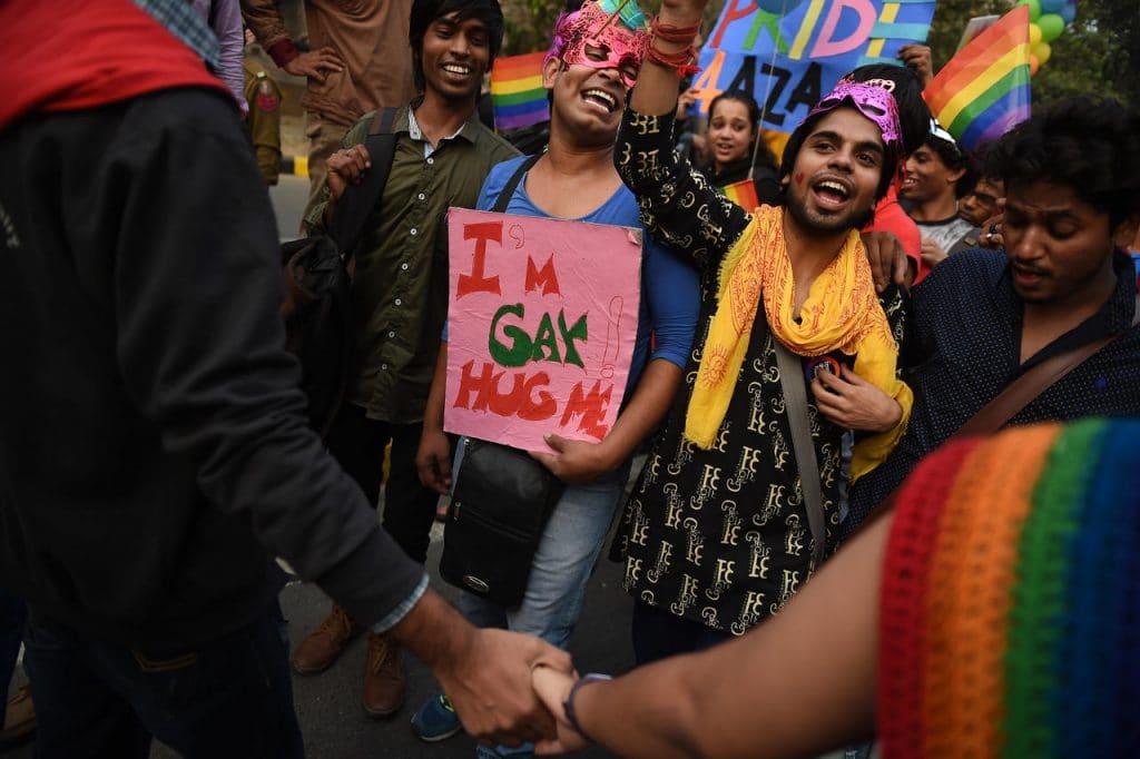 indien manifestant dans la rue pour la dépénalisation de l'homosexualité