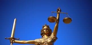 la justice en statue avec sa balance