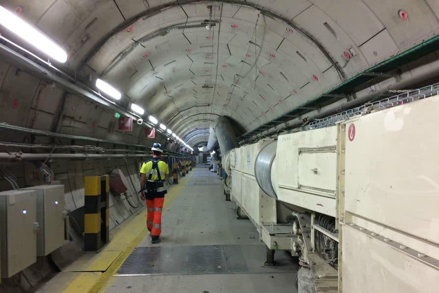 galerie souterraine en construction pour un projet d'entteremment de déchet nucléaire